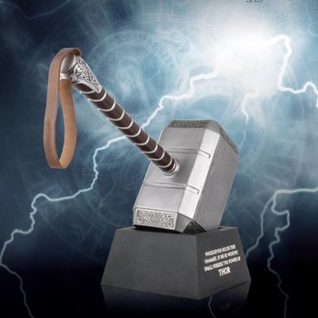 Beast Kingdom Thor The Dark World Replica