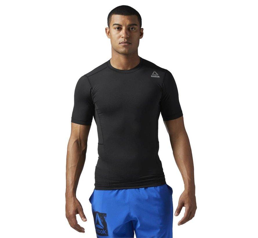 Reebok Compression Shirt Training bereit