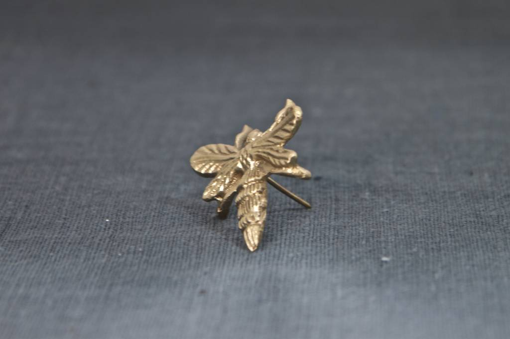Candle Pin Bee