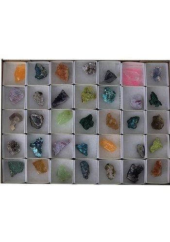 Yogi & Yogini naturals Mix ruwe mineralen showdoos (35 stuks)
