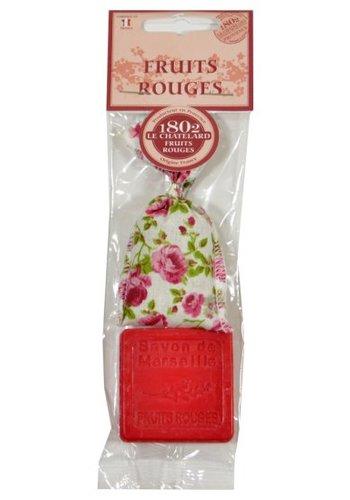 Le Chatelard 1802 Geschenk set Rood Fruit, geurzakje met hartvormig zeepje