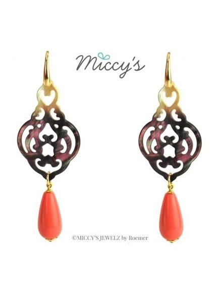 Miccy's Oorhanger shell, grey ornaments with coral drops