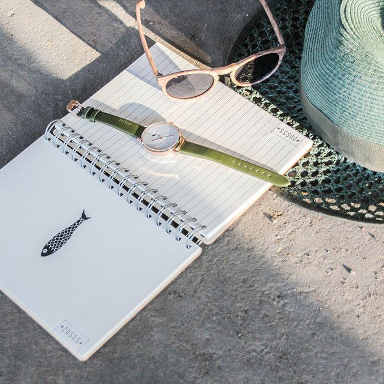 Zusss Notitieboek hout, genoeg te doen