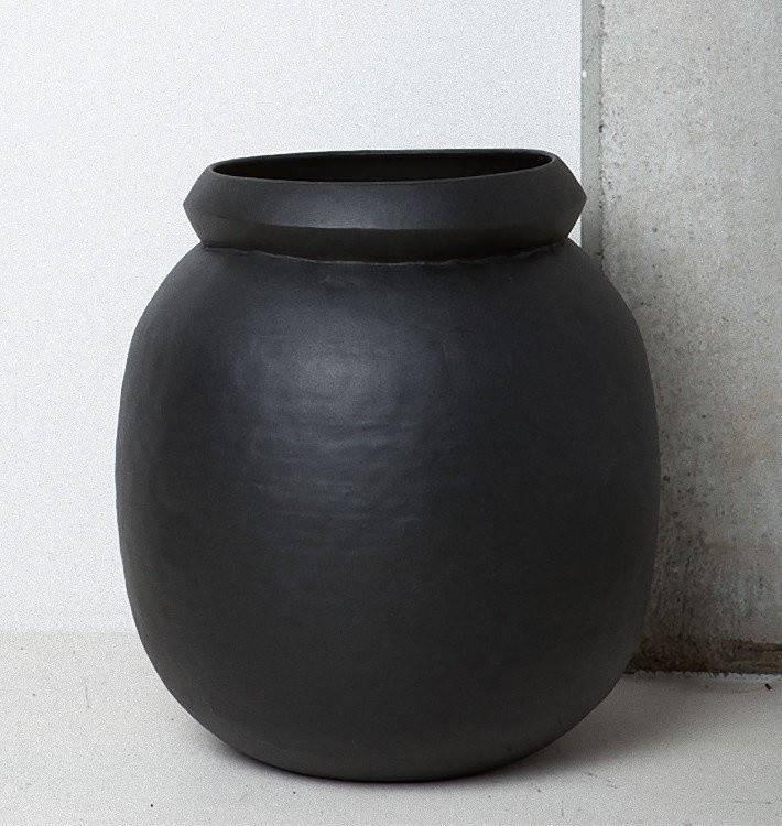 UNC URBAN NATURE CULTURE AMSTERDAM Solstice Pot Iron 40x45cm