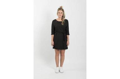sjiek jurkje met ceintuur zwart