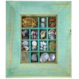 Pastel Green Maritime Picture with Shells, 20x15cm interior with 50mm frame