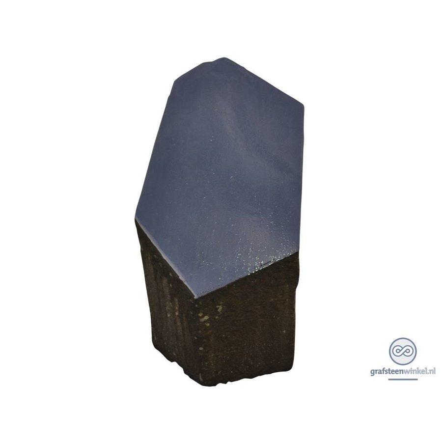Basalten zuil met gepolijste bovenzijde-2
