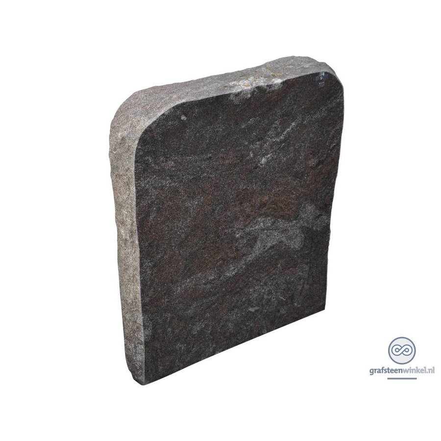 Grijze grafsteen met afgeronde en getrommelde bovenzijde-1