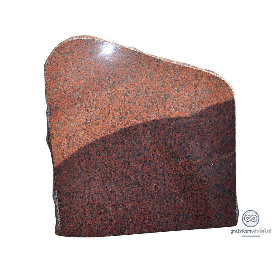Roodachtige ruw gehakte grafsteen-2