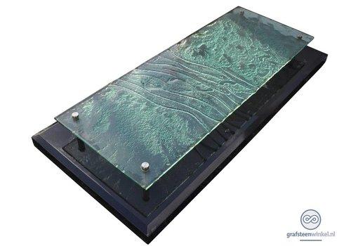 Grafsteen met glazen plaat
