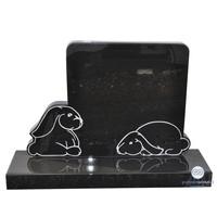 thumb-Zwarte grafsteen met twee konijntjes-2