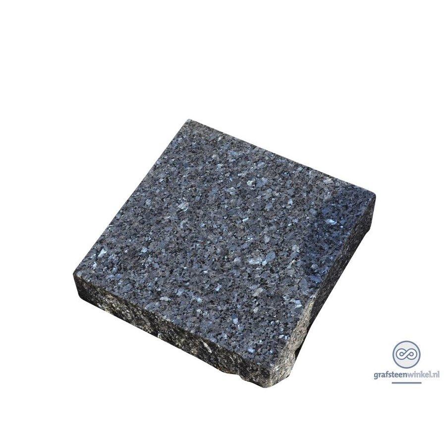 Zwarte ruw gehakte grafsteen-2