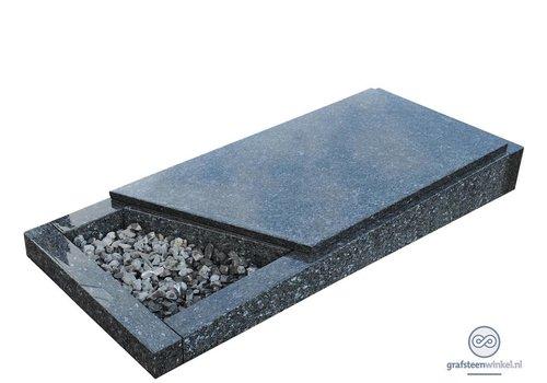 Grijze liggende grafsteen