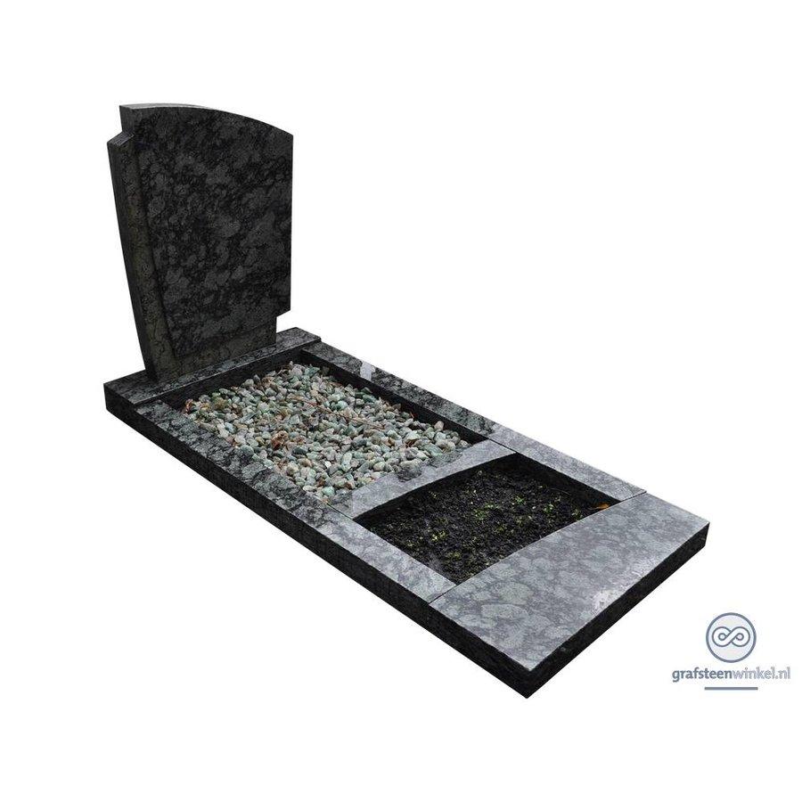 Groenachtige grafsteen met omranding-1