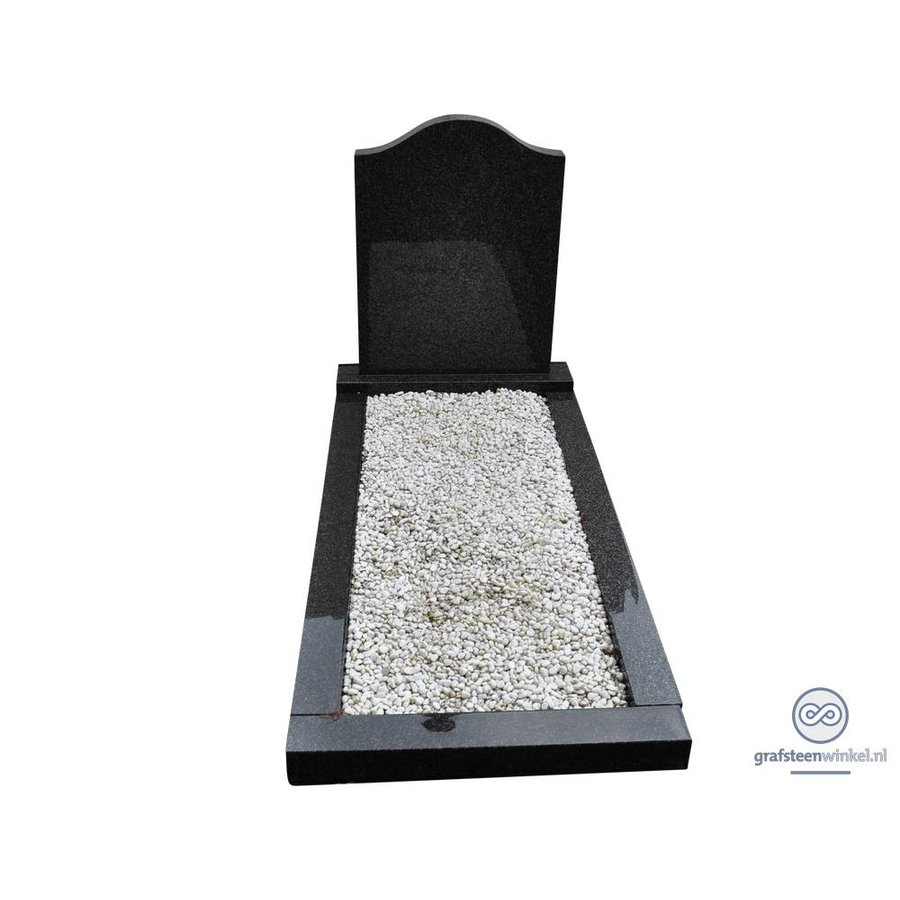 Zwarte hals vormige grafsteen met omranding