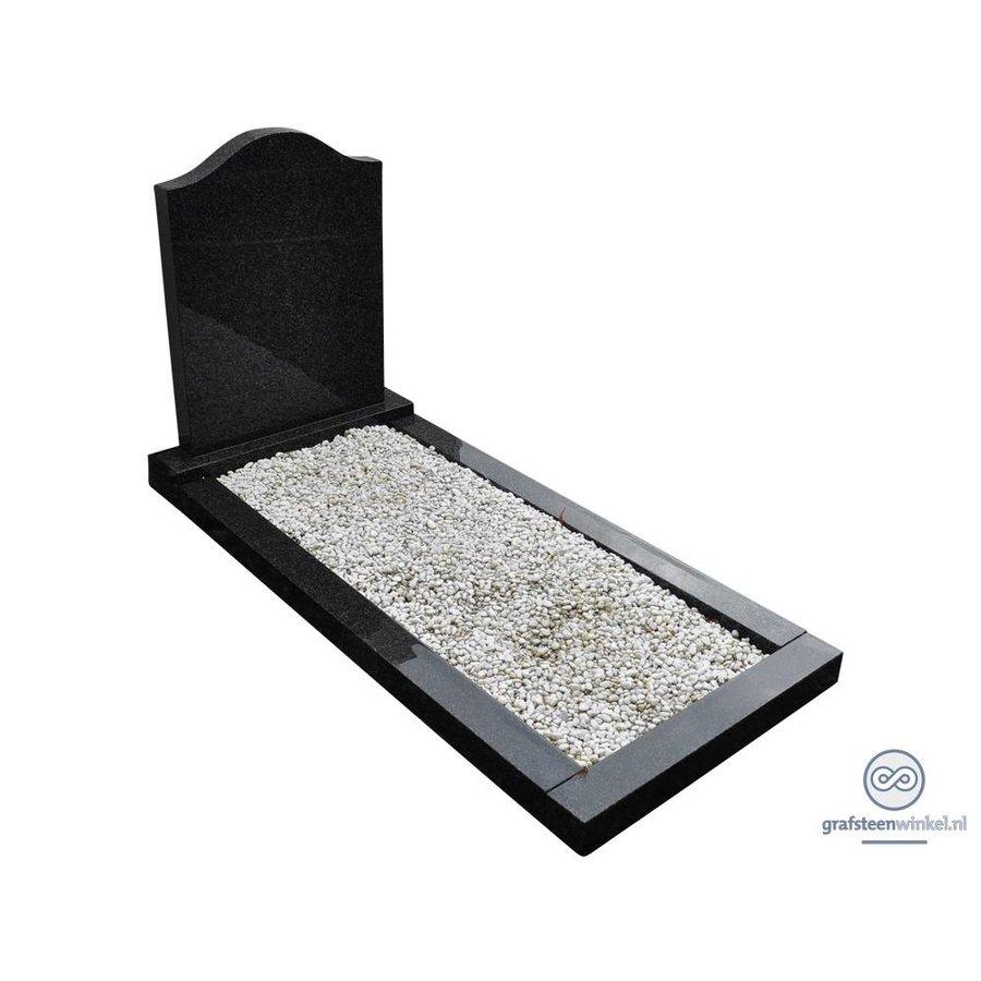 Zwarte hals vormige grafsteen met omranding-1