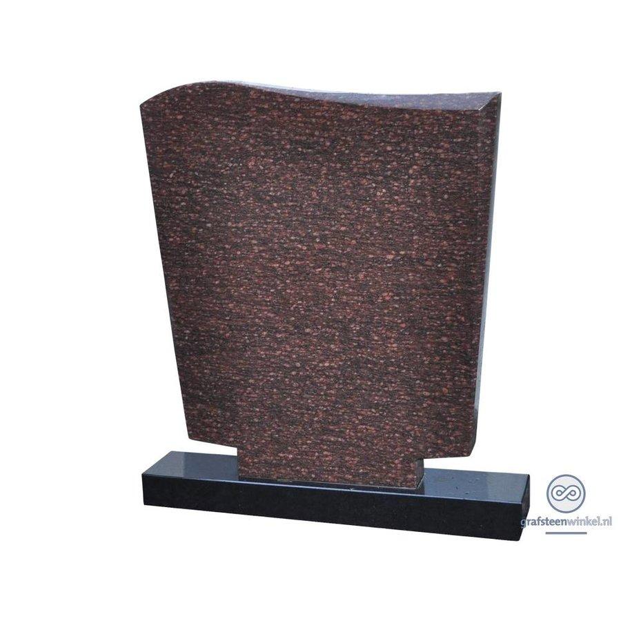Roodachtige grafsteen met zwarte voet-1