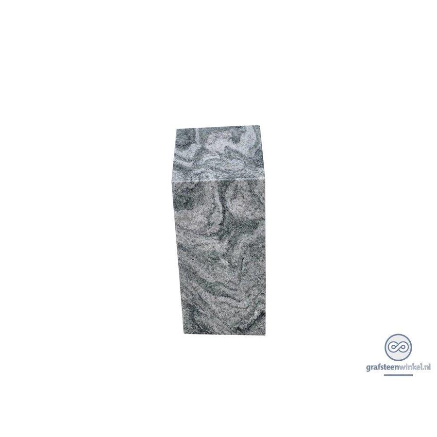 Granieten zuil grafsteen-2