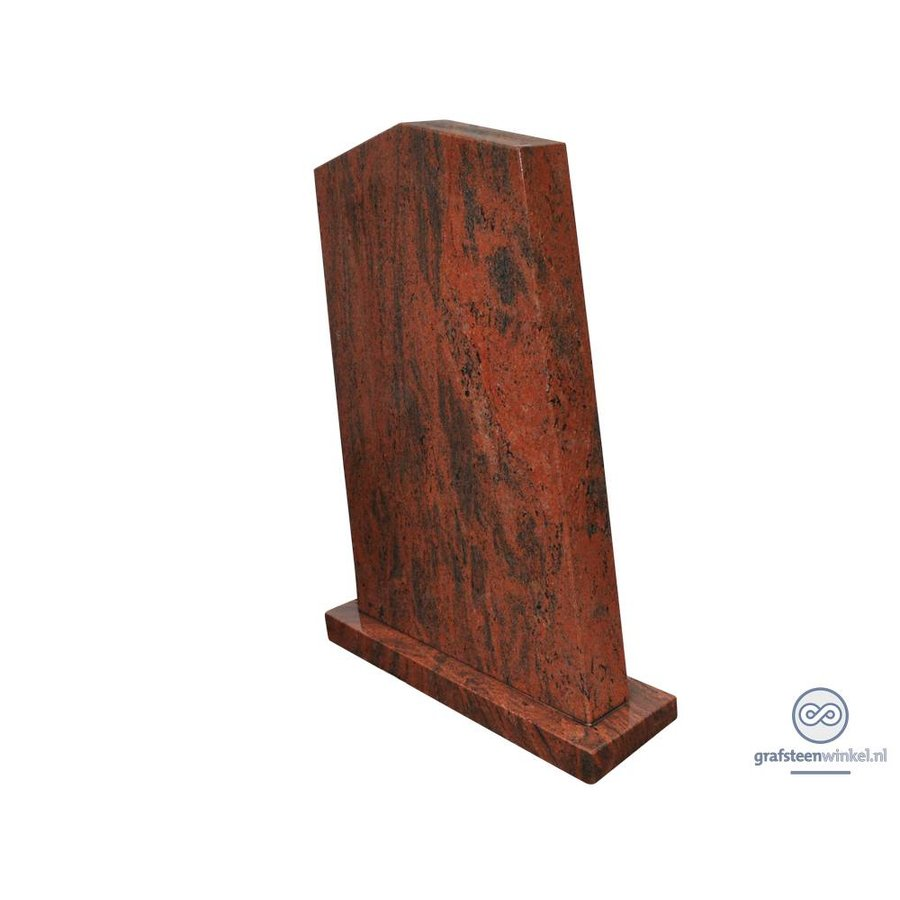 Rode staande grafsteen-1