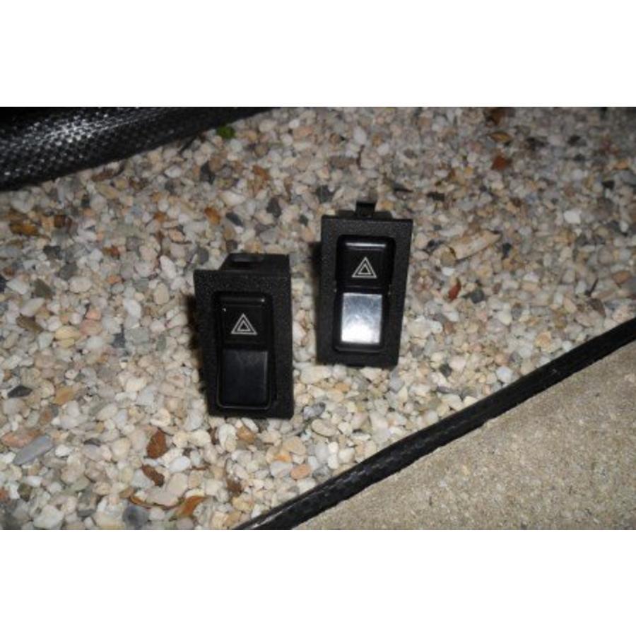 Hazard lights switch 3204939-7 Volvo 340/360