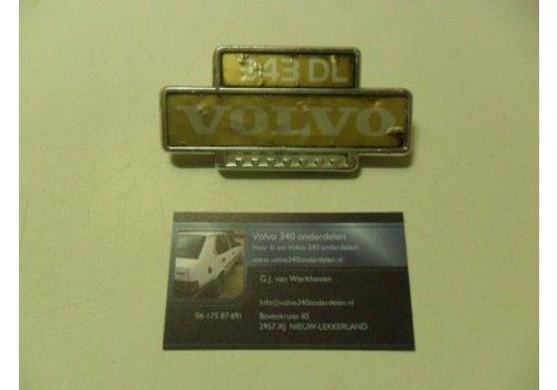 "Embleem ""343 DL"" spatscherm voorscherm  3271844 NIEUW Volvo 343"
