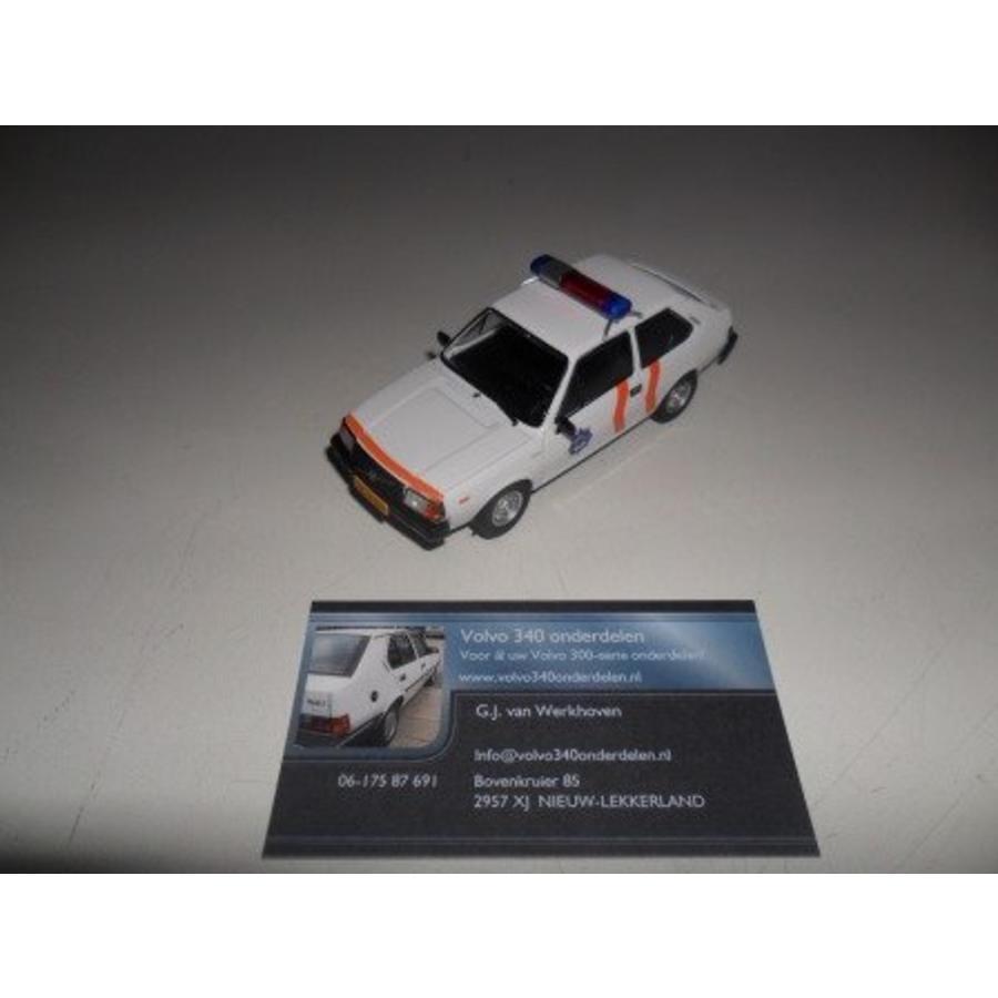 Scale model (3) politie uitv. 000345 new Volvo 343