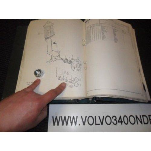 Moer voorwiel 3104005 NIEUW Volvo 300-serie