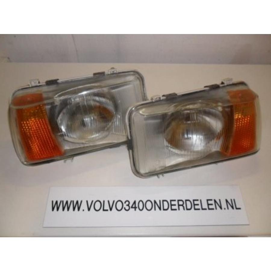 Headlight 3269470-5 / 3269471-3 L / R - of for > '82' Volvo 340