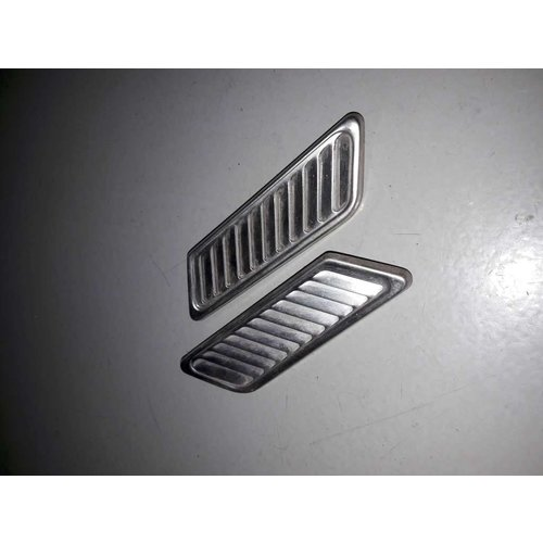 Suction grille C-pillar LH / RH 3100322/3100323 uses Volvo 66