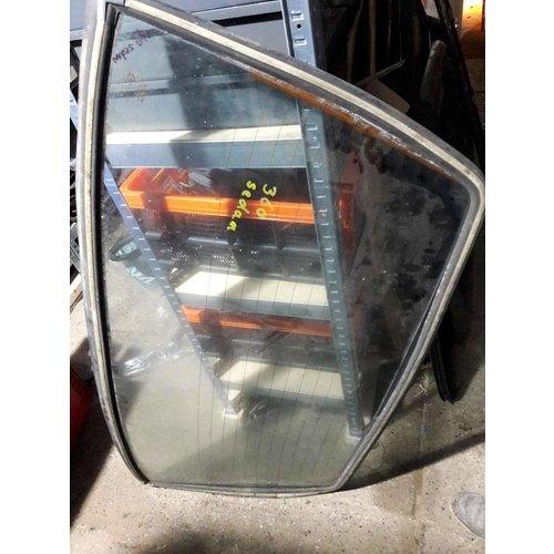 Rear window window sedan version 370000 Volvo 340, 360