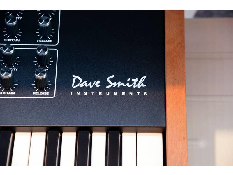 Dave Smith Dave Smith Prophet REV2 16 stemmig
