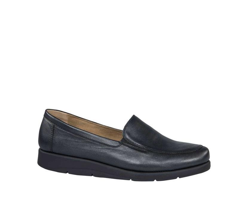 24751-29 Black Shoe