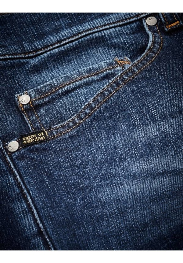 Evolve Cotton Jeans Medium Dark Blue