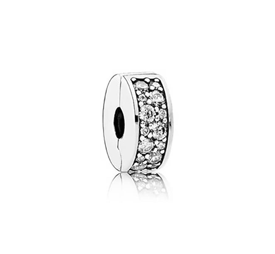 Silver clip with clear cubic zirconia and silicone grip 791817CZ