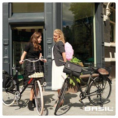 Basil Noir City bag - stuurtas - fietsschoudertas - 6L - zwart