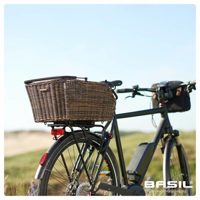 Basil Cento Rattan Look Multi System - bicycle basket - rear - brown