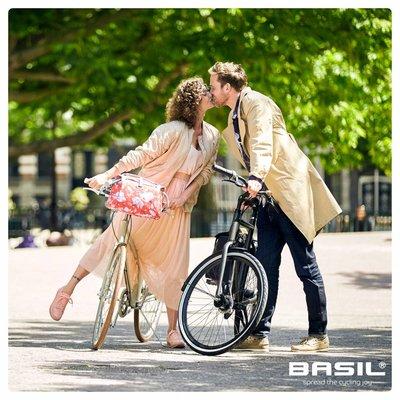 Basil Magnolia - bicycle Bag - 7L - poppy red