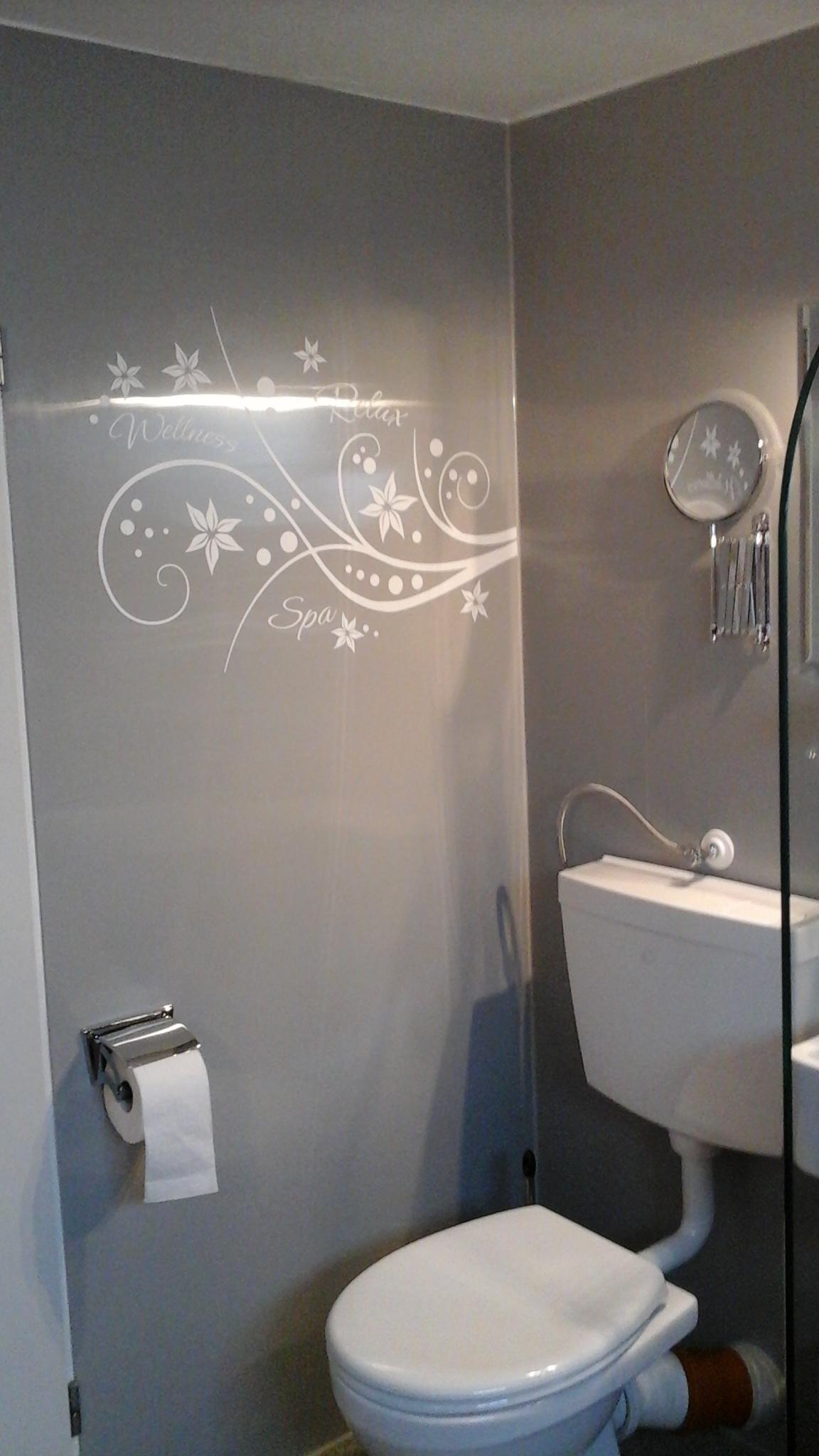 PVC Wandverkleidungen - Renovieren ohne Schmutz - Kunststoffplatten ...