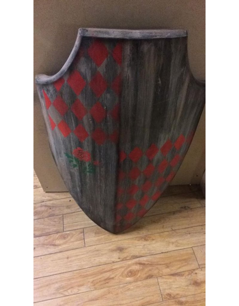 Skian Mhor Knights Shield with red rose and diamond Decoration