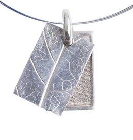 Rectangle with leaf nerve