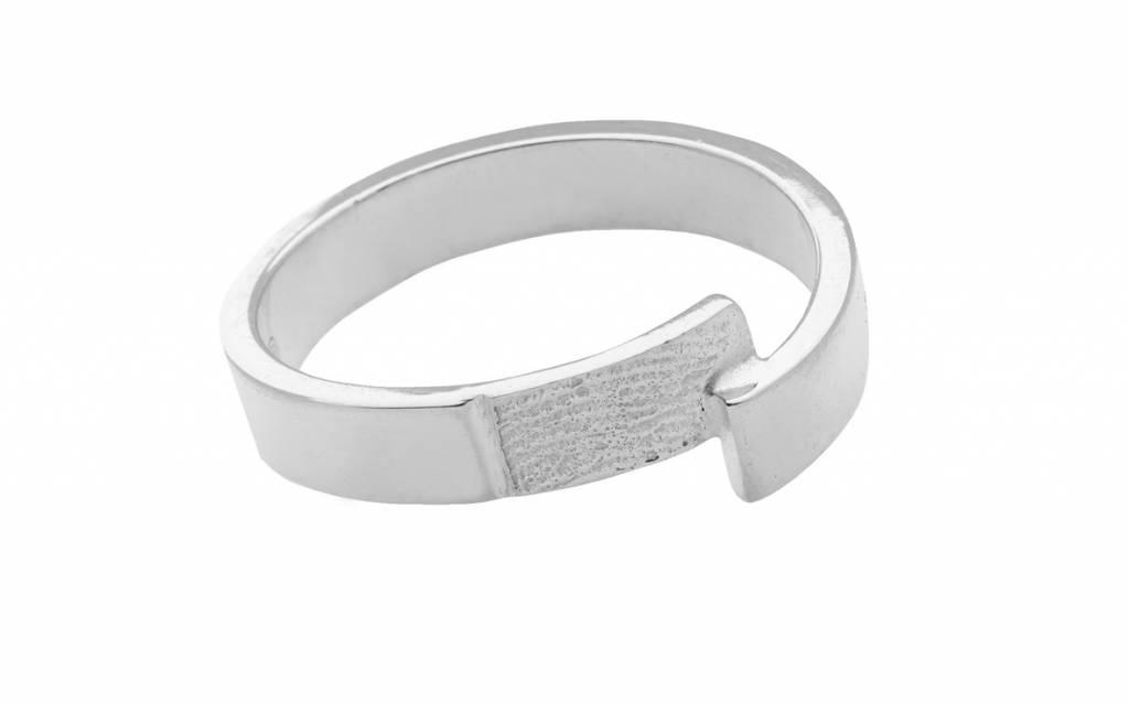 Ring mit Strich 4 mm. inkl. Abdruck