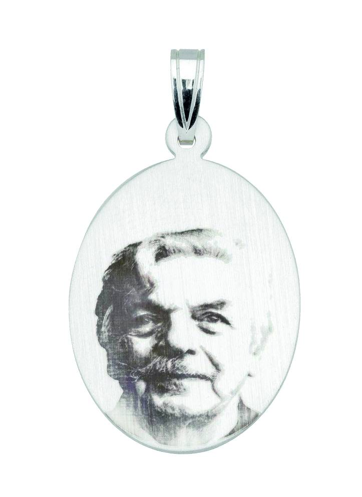 Pendant with photo-engraving, oval