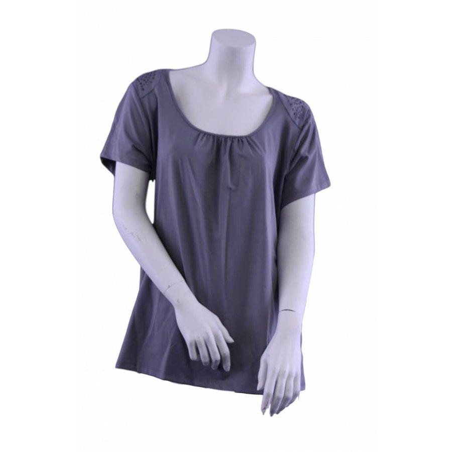 Übergroßes Hemd mit Nieten auf der Schulter
