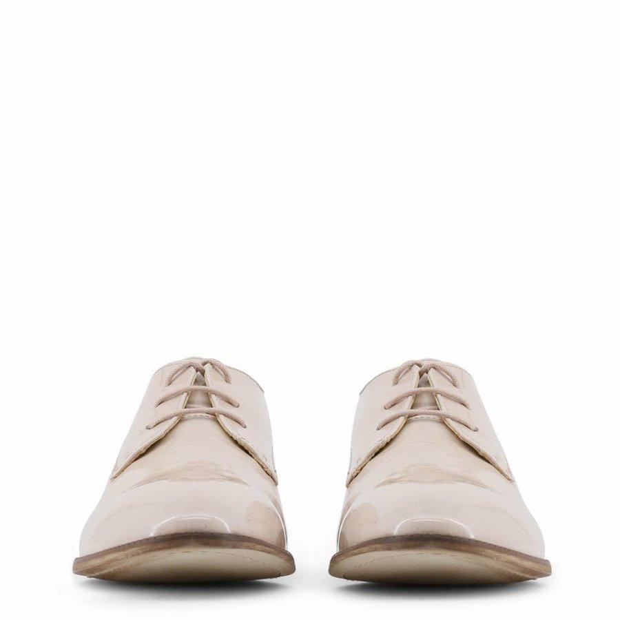 Gekleideter Schuh von Arnaldo Toscani - beige