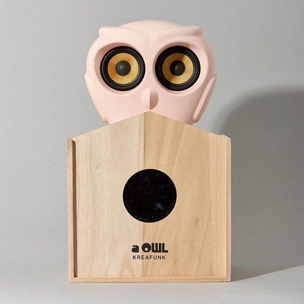 aOwl bluetooth speaker pink