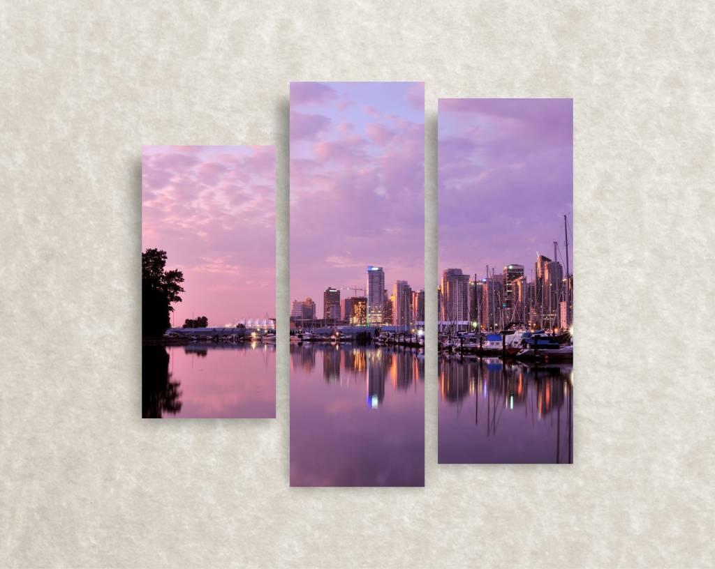 Canvas foto The city's harbour