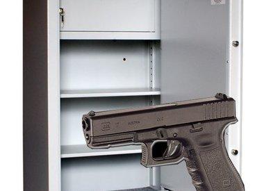 Gun cabinets for short weapon