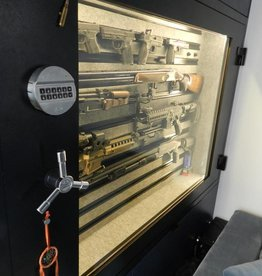 1696 szafa na broń z szybą pancerną