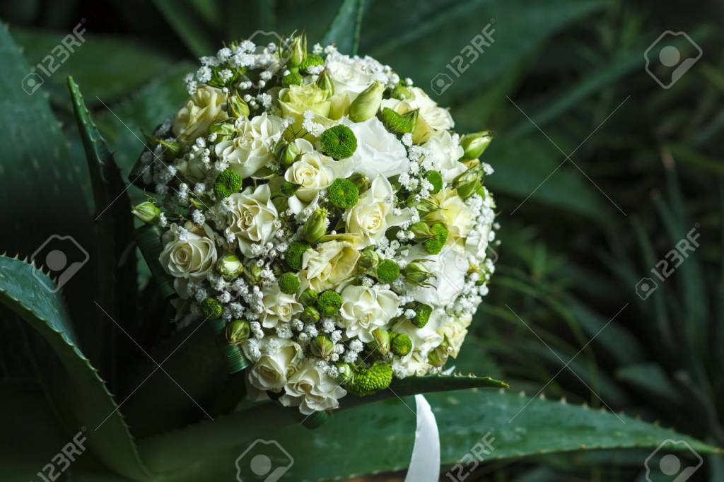 Woody Wedding bouquet with flowers