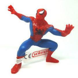 Yolanda Spider-Man staand